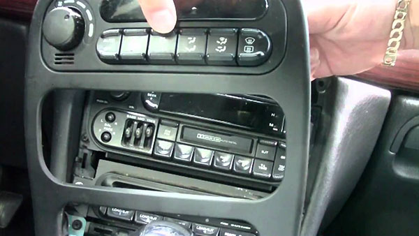 autoradio code Chrysler Grand Voyager gratuit